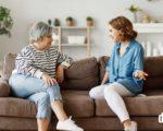 Opatrovanie-seniorov-Ako-komunikovať-so-staršími-ľuďmi - Blog - Domelia.sk